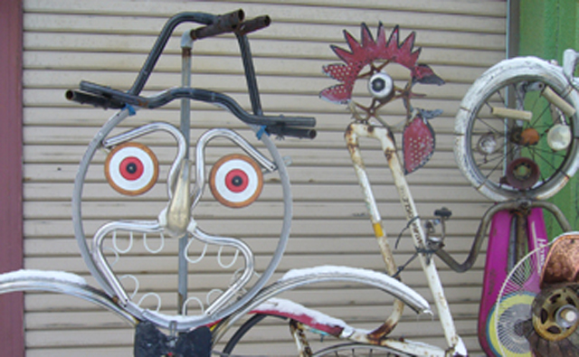 自転車屋さんにはこんなオブジェ