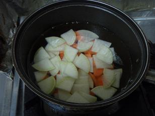 寒い夜だから・・・「鯖缶せんべい汁」で温まろう!