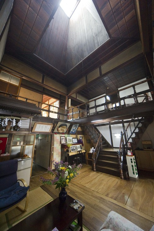 東北の上海と呼ばれた八戸市小中野に残る「新むつ旅館」
