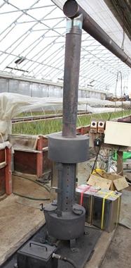 地吹雪のメッカ津軽半島で栽培されている冬の寒熟アスパラガス
