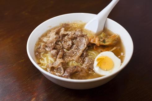 完ツユ必至の「カルビ冷麺」