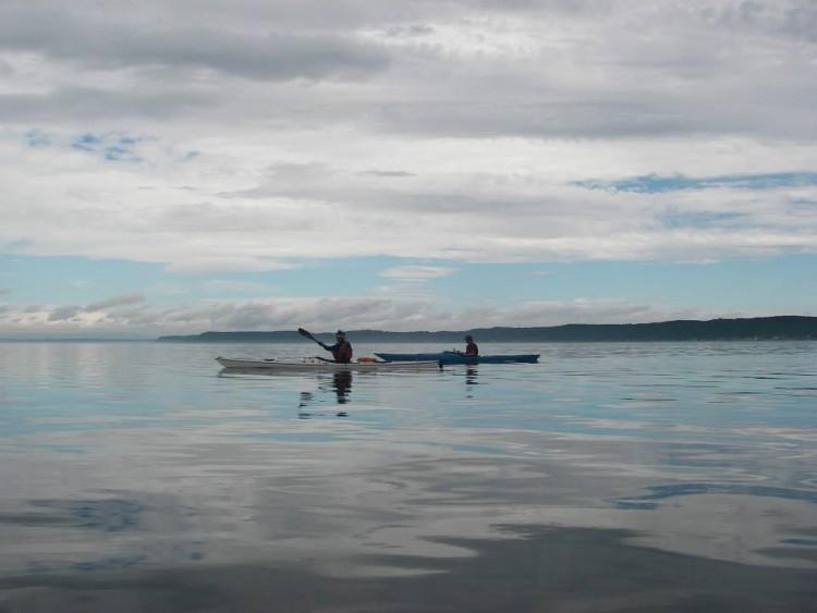 小川原湖でカヤックを楽しむ