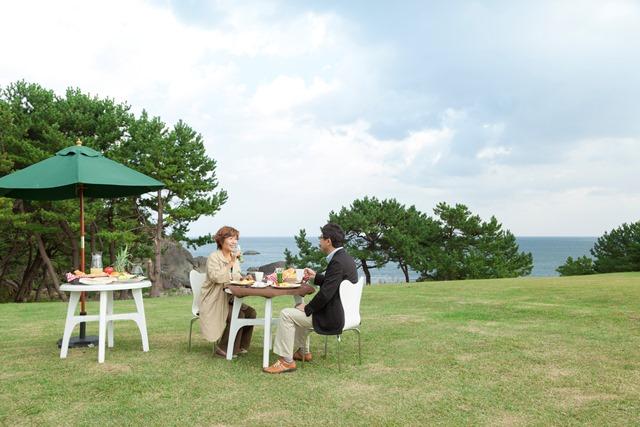 種差海岸で特別な夕食と朝食はいかがでしょうか?