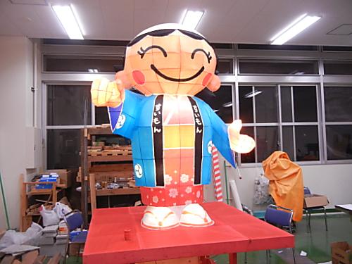 """東京の高校生による手作り""""ねぶた祭り"""""""