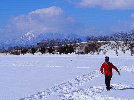 日本初のスノーアート「冬の田んぼアート」~メイキング編~