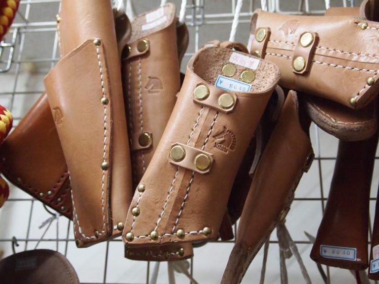 馬具づくりの職人がつくる革製品 板柳町・革工房よしだ