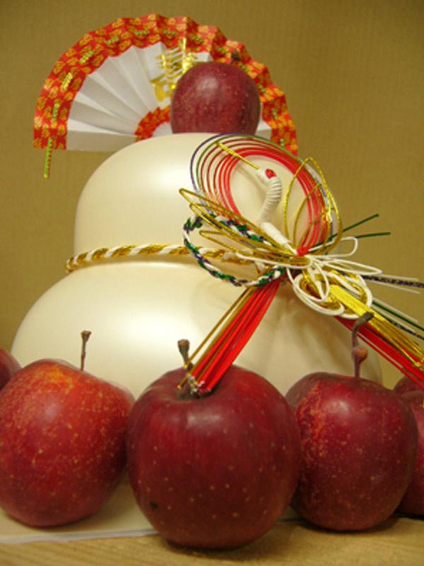 鏡餅に「りんご」