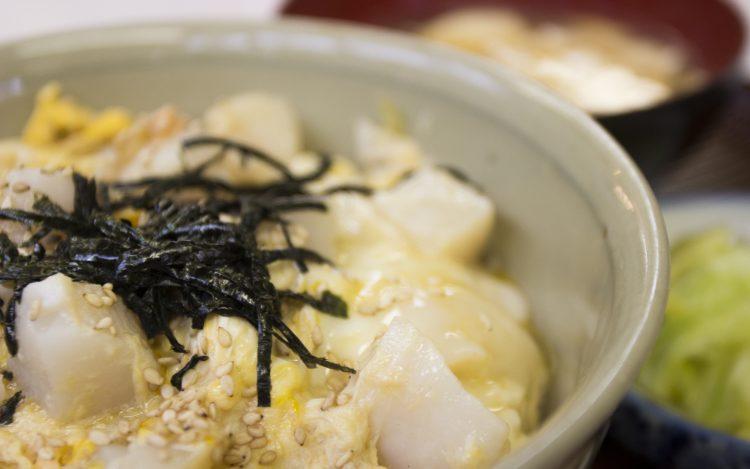 松浦食堂のホタテ丼