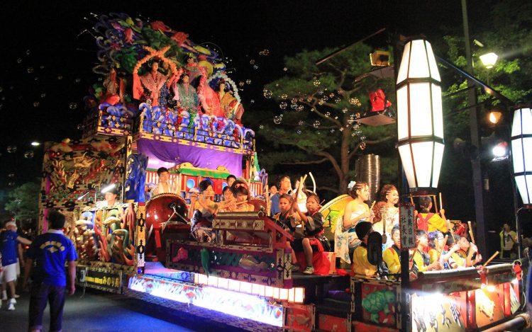 十和田市秋まつり4(写真提供:十和田市観光協会)