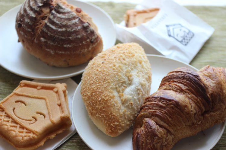 平川市蔵cafeのパン