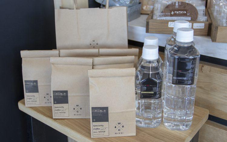 CAFE 水とコーヒー_白神山地の水