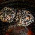 青森市の古川市場で食べる焼きおにぎり~横山商店・はるえ食堂