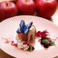 スイーツアーティストAI OKADAさんが空間プロデュース「丸ごと青森りんごカフェ」