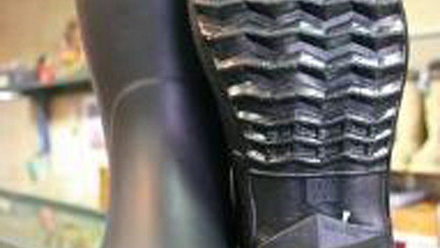 日本一軽い?農作業考学から生まれたオリジナル長靴