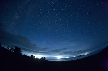 西海岸の満天星と漁り火3