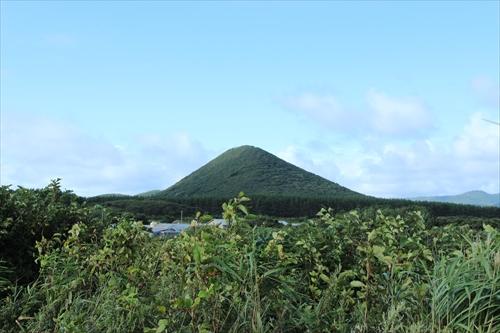 地元の山を岩木山に見立ててお山参詣 ~脇元岩木山神社大祭~