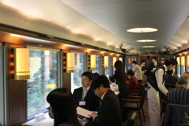 極上のレストラン列車