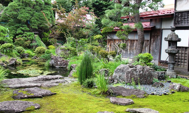津軽特有の庭園「大石武学流庭園」