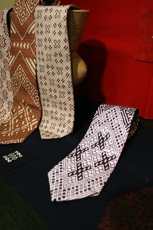 ご当地ネクタイ NEW TYPE 「津軽塗り」&「こぎん刺し」