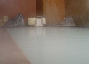 下風呂温泉郷にある黒いお湯