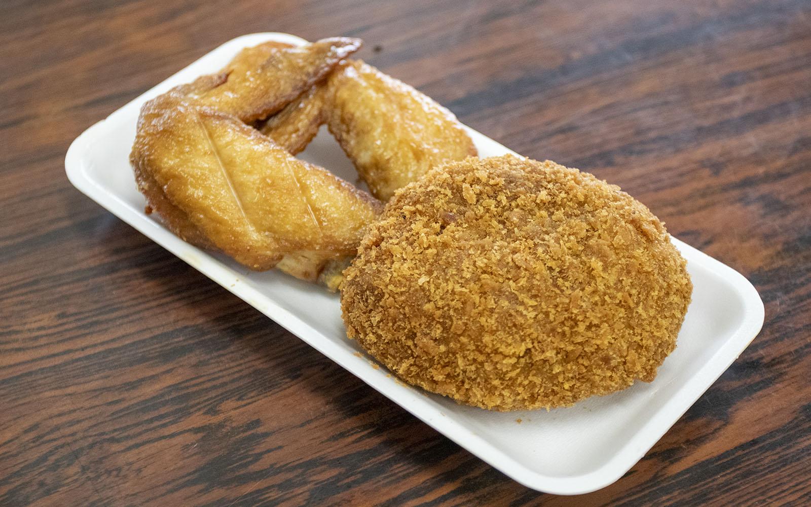 肉のナリタ_メンチカツ&若鶏手羽先揚げ