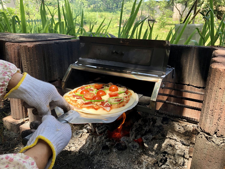 ピザ焼き機で焼きます♪